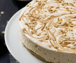 Toffee Caramel Ice Cream Cake with Oatmeal Cookie Crust