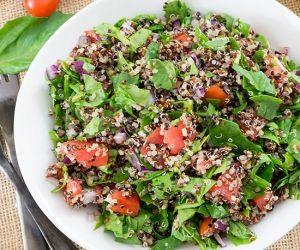 Tomato Spinach Quinoa Salad