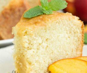 Kentucky Butter Sauce Pound Cake