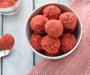 Three Ingredient Paleo Chocolate Truffles