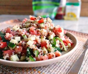 SImple and Easy Quinoa Salad