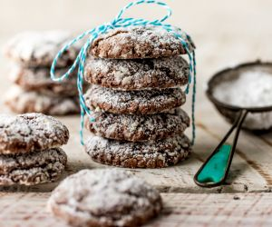 Chocolate Gooey Butter Cake Cookies