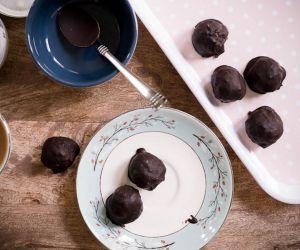 Vanilla Fat Bombs Dipped In Chocolate Recipe [Paleo, Keto, Sugar-Free, L