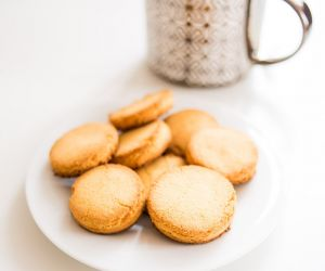Keto Ginger Coconut Cookies Recipe