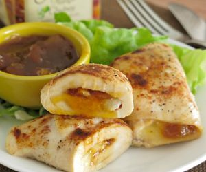 Mango Chutney Chicken and Brie Roll-ups