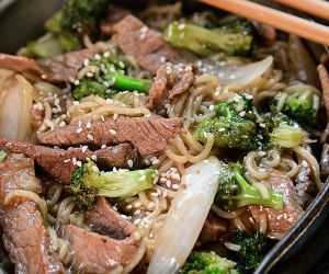 Easy Skillet Beef and Broccoli Ramen Recipe