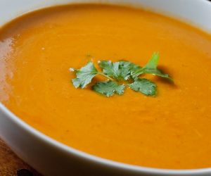 BUTTERNUT SQUASH SOUP RECIPE— EASY & EQUALLY DELICIOUS HOT & COLD