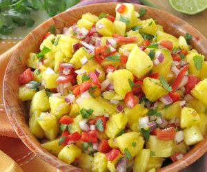 Easy Pineapple Salsa Recipe {Ways to Use It}