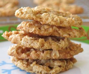 Easy Oatmeal Lace Cookies