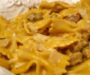 Pasta with Italian Sausage and Pumpkin Sauce