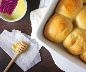 30-Minute Honey Butter Rolls
