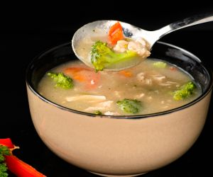 Chicken Broccoli Soup / Healthy Broccoli Chicken Soup