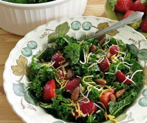 Massaged Kale Salad – The Secret to Tender Leaves