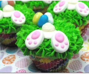 BUNNY BUTT CUPCAKES FOR EASTER