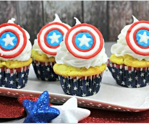 EASY CAPTAIN AMERICA CUPCAKES