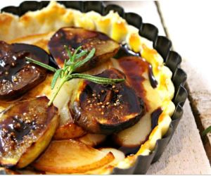 DECADENT PEAR, FIG & GOUDA TART