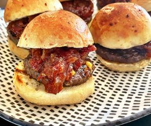Wagyu Cheeseburger Sliders with Tomato and Bacon Jam