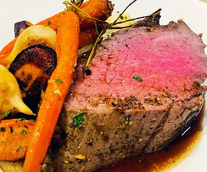 Holiday Wagyu Eye of Round Roast with Vegetables