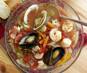 Italian Seafood Soup {Cioppino} Recipe