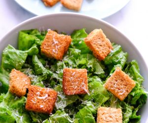 CAESAR SALAD RECIPE WITH CAESAR DRESSING