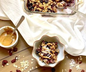 Healthy Baked Oatmeal with Blueberries