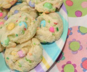 Funfetti Easter M & M Cookies