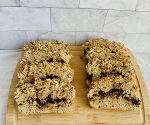 Vegan Banana Bread with Dark Chocolate and Peanut Butter Crumble | CokoCooks