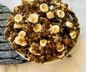 Healthy S'mores Granola | CokoCooks