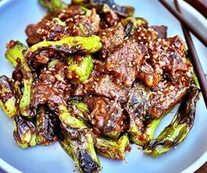 Blistered Shishito Peppers and Wagyu Beef Stir Fry
